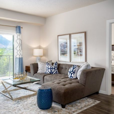 spacious apartment living room with a view - Midvale, Utah